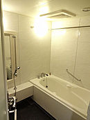 1620サイズのゆったりとしたバスルーム