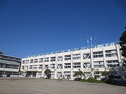 潤徳小学校.