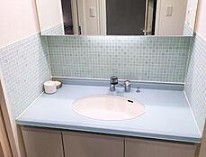 綺麗にお使いの明るい洗面化粧台