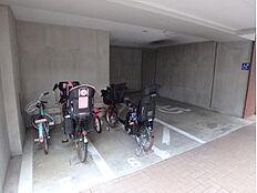 雨でも安心敷地内駐輪場