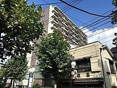 JR中央・総武線「西荻窪」駅より徒歩5分の立地。