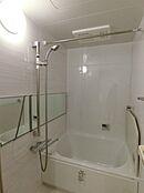 雨の日にも便利な浴室換気乾燥機能付き