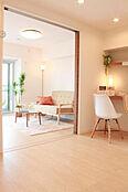新規内装リノベーション済。家具・エアコン付きで引っ越し初期費用カットできます。