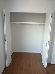2階洋室収納で...