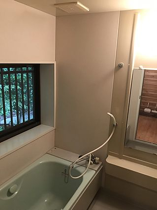 浴室に窓が換気...