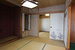 1階和室は戸を...