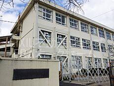 小学校奈良市立 あやめ池小学校まで669m