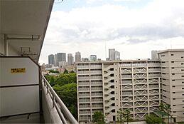 バルコニーよりの眺望(豊洲方面)