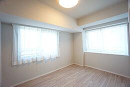 角部屋に付き2面採光の明るい居室を確保できます。