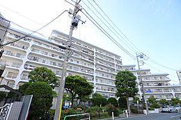 総戸数110戸。9階建て4階部分。