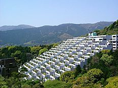 熱海屈指の大型リゾートマンション