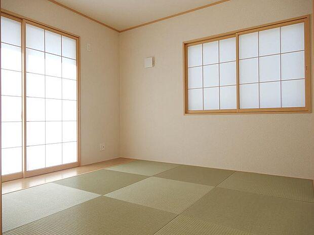 写真は同施工会社のものです。畳の醸し出す空間は、不思議と心が落ち着きます。