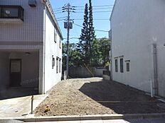現地写真(北側私道から撮影)