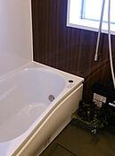 窓があり乾燥機付ですので洗濯物も乾きます