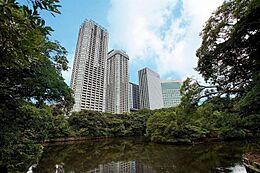 外観 浜離宮恩賜庭園から望む東京ツインパークス。