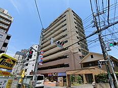 「町田」駅から徒歩5分の便利な立地。