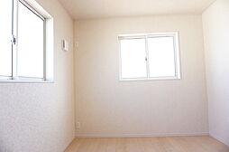 2階、北側洋室...