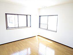 洋室2階8帖の...