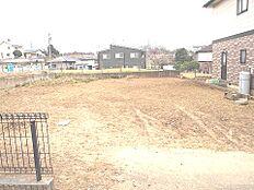 敷地面積は、広々約73坪ございます。