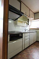 独立キッチン。...
