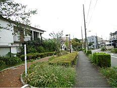 烏山緑道。  平日、土日、祝日問わずご見学可能です。当日のご見学はお気軽にお問合わせください。