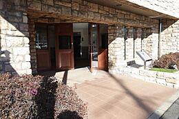 新規内装リフォーム ペットと一緒に暮らせます 3階角部屋につき日当たり・通風良好 共用施設・教育施設・公園が周辺に充実 住宅ローン減税適合物件です