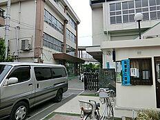 小学校は尾久西小学校  徒歩9分(720m)