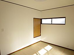 2階東側の洋室...