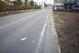 4沿線乗り入れ駅も徒歩圏内ですので、通勤・通学に非常に便利です。