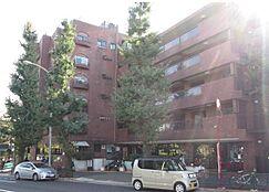 駒沢公園に近いマンションです。
