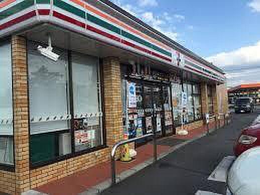 セブンイレブン八日市東浜町店まで845m、セブンイレブン八日市東浜町店 徒歩11分