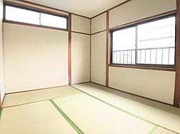 2F南側6帖和室。収納も豊富です。