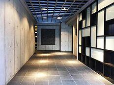 葛飾北斎生誕の地、墨田区ならではでしょうか、モダンかつシンプルな空間がご家族を迎えてくれます。