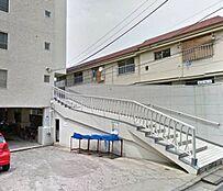 JR中央・総武線「東中野」駅徒歩12分も利用可能な立地。