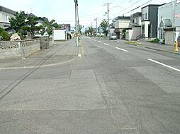 南側の前面道路...