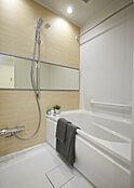浴室乾燥機付きで雨の日の洗濯も可能