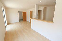 和室と合わせて21.7帖の大きなスペースを実現。