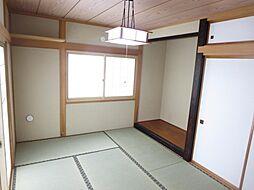 1階6畳の和室...