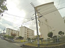 兵庫県川西市松が丘町の賃貸マンションの外観
