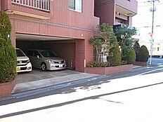 東道路側の屋内分譲駐車場