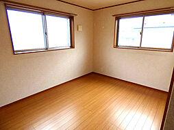 東側2F洋室