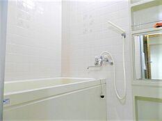 温泉大浴場があるので、あまり出番はございませんが、浴室もございます。夏場などはあると助かります。