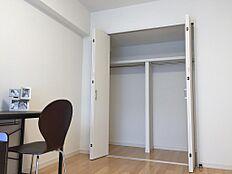家具付きリノベーションマンション