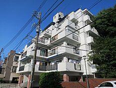 品川駅へのアクセスも可能な好立地。閑静な住宅街です。