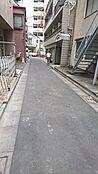 前面道路(東側より)