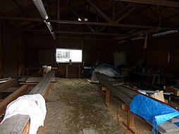 倉庫3内部