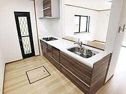 新規交換済、食洗機付ワイドシステムキッチン。