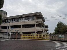 桜岡小学校まで徒歩5分
