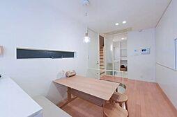 新富二丁目戸建て 1SLDKの居間