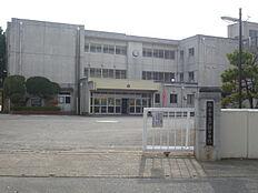 取手市立戸頭中学校(1557m)